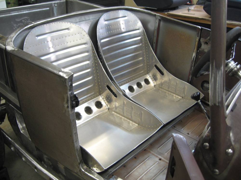 seats and tank 002 (2).jpg