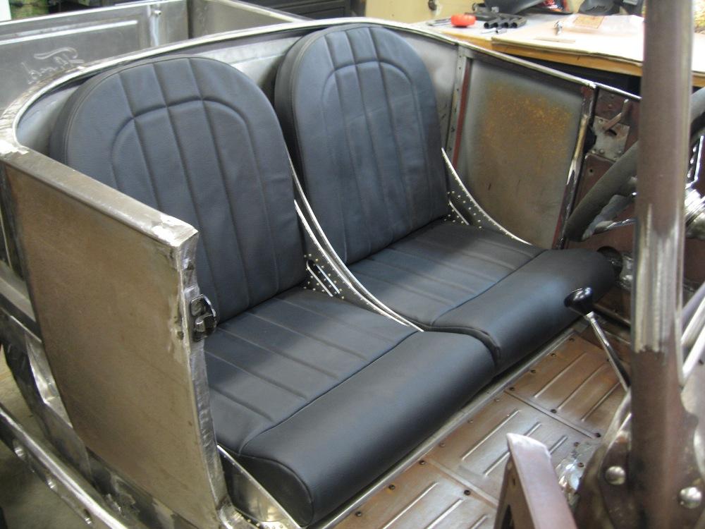 seats and tank 003 (2).jpg