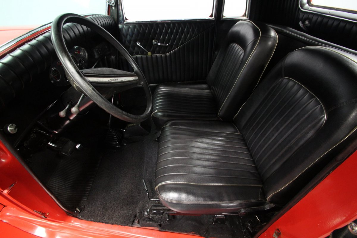Seats in a 1933 Plymouth 5wd Coupe (1).jpg