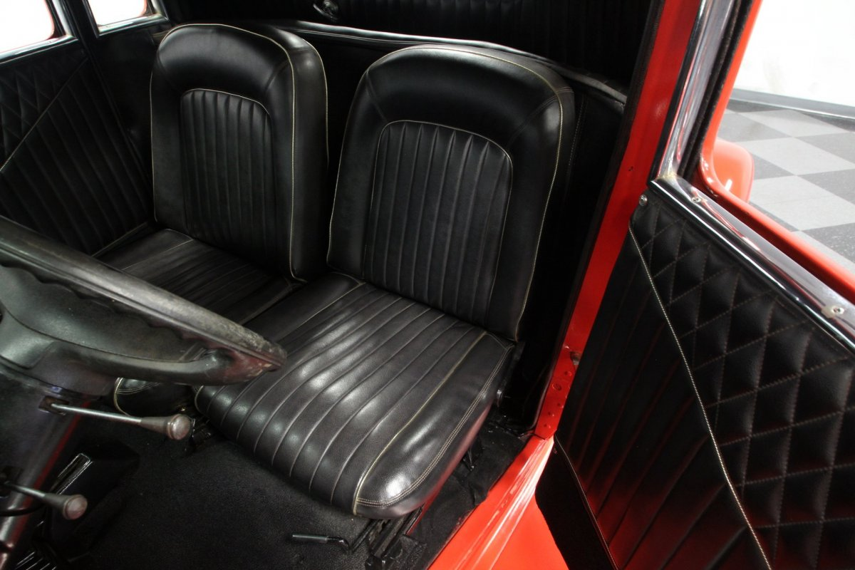 Seats in a 1933 Plymouth 5wd Coupe (2).jpg
