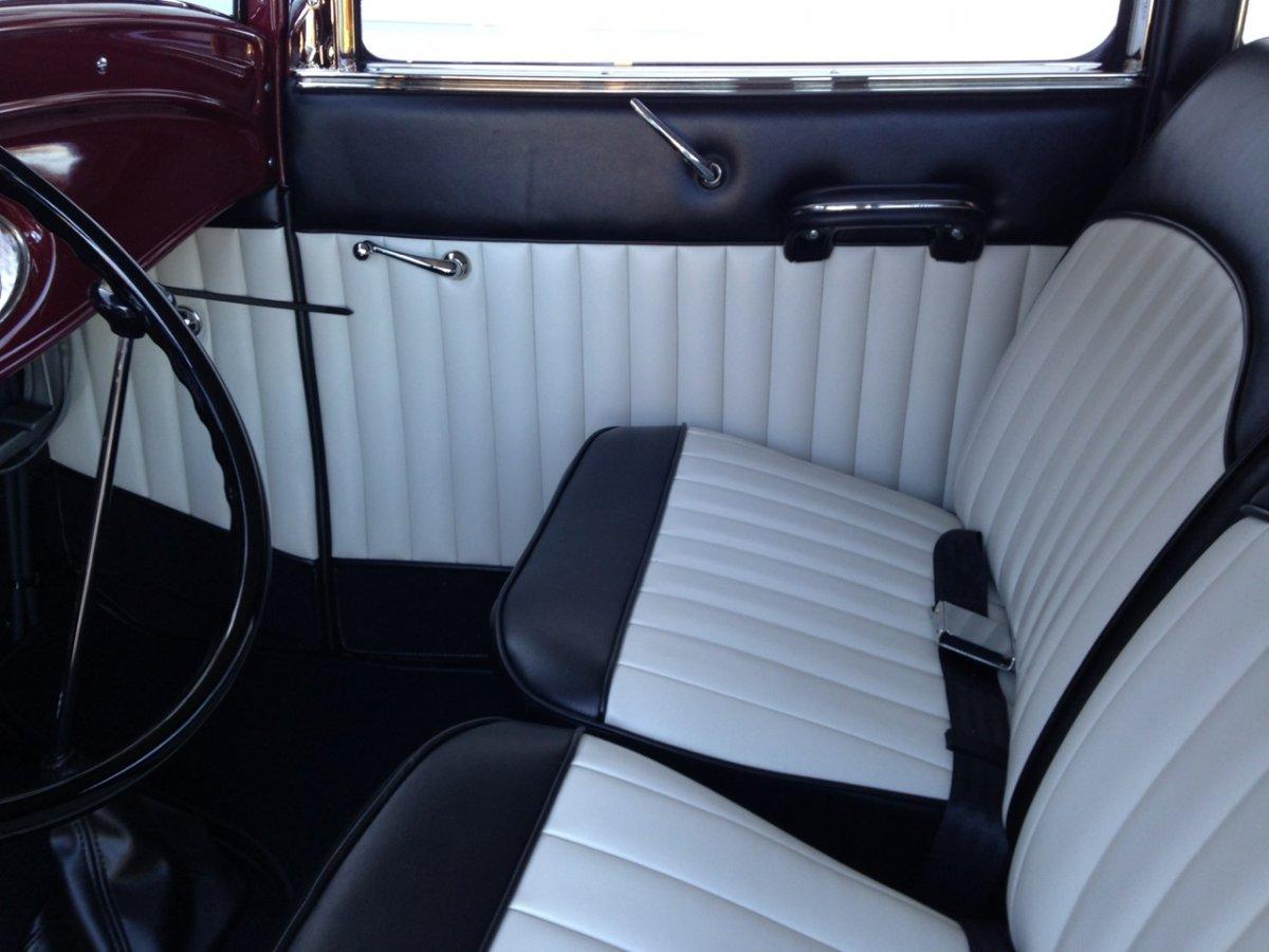 sedan interior - 13.jpg