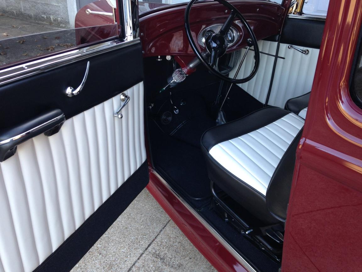 sedan interior - 14.jpg