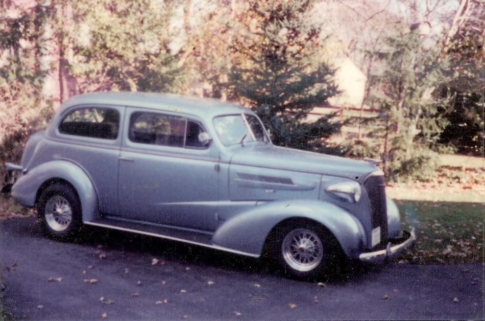 sedan37.jpg