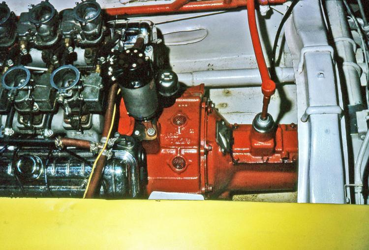 SHIFT LINKAGE FOR TOMMY\'S STREAMLINER (by Joe Fontaine).jpg