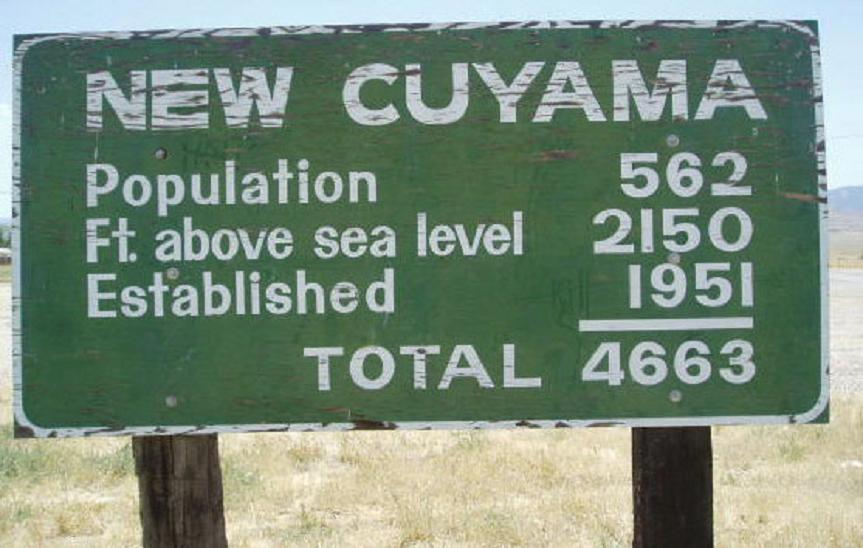 sign road street town cuyama.jpg