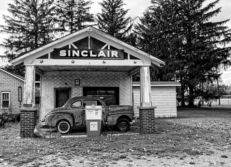 sinclair-gas-station-ginger-harris.jpg