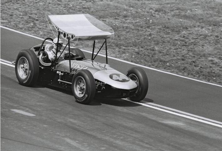 Smoky Yunicks 1962 indy car would finish 9th.JPG