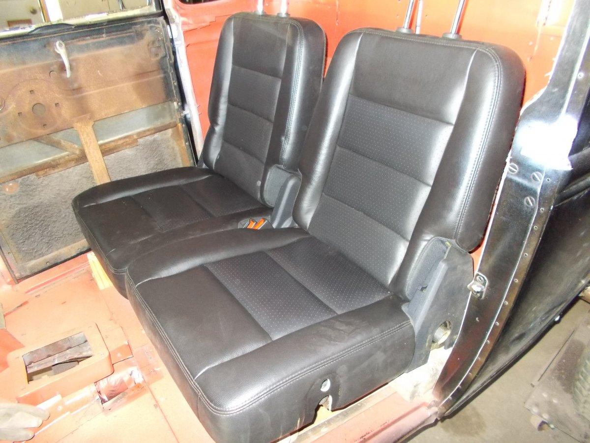snake seats 2 qtr 1 002.JPG
