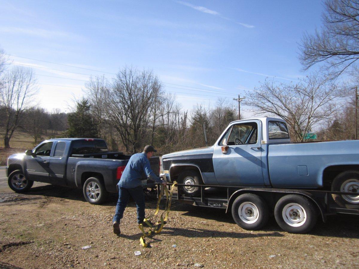 sold 83 pickup 001.JPG