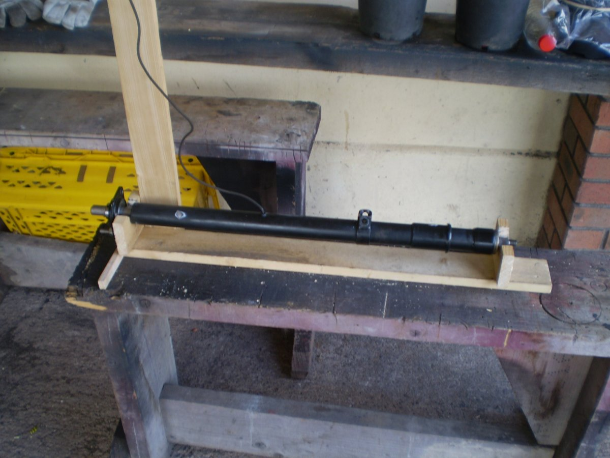 spray stand for column 001.JPG