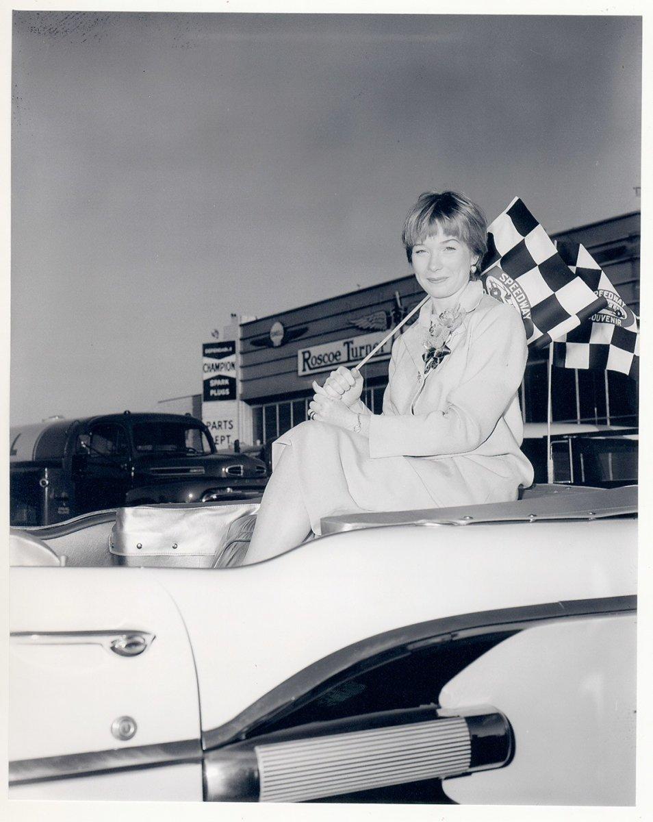 ss09-indy-500-car-race-Sherley-McLaine.jpg