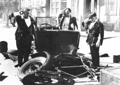 Stooges Car Crash.jpg