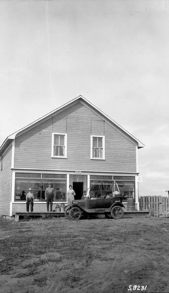 Store-14 Alberta 1924-1.jpg