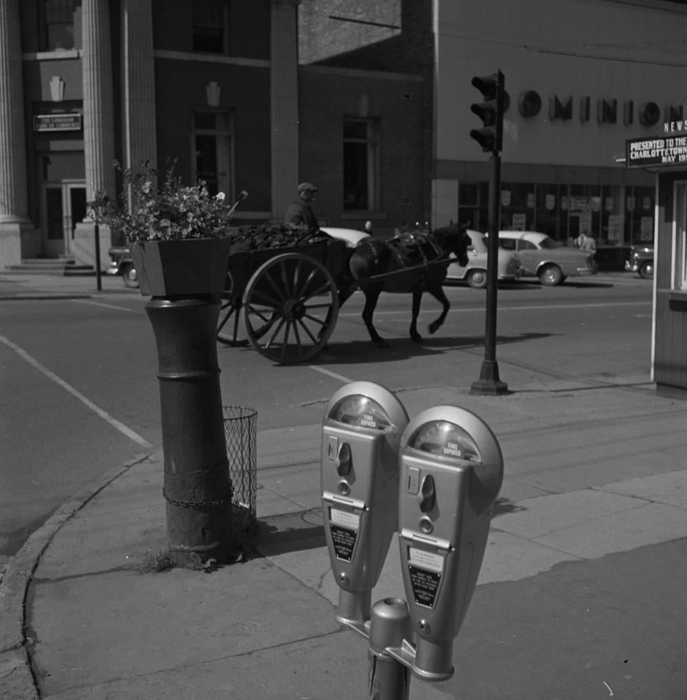 Store-24 1958.jpg