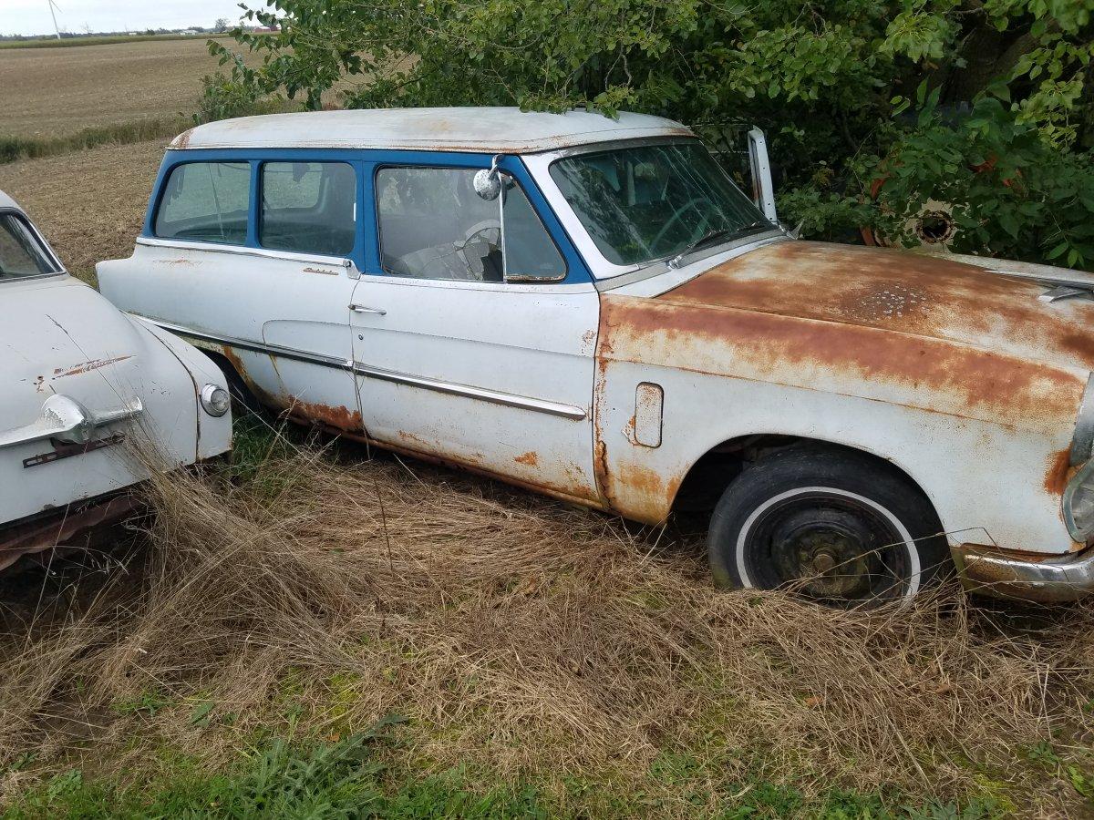 Studebaker small wagon.jpg