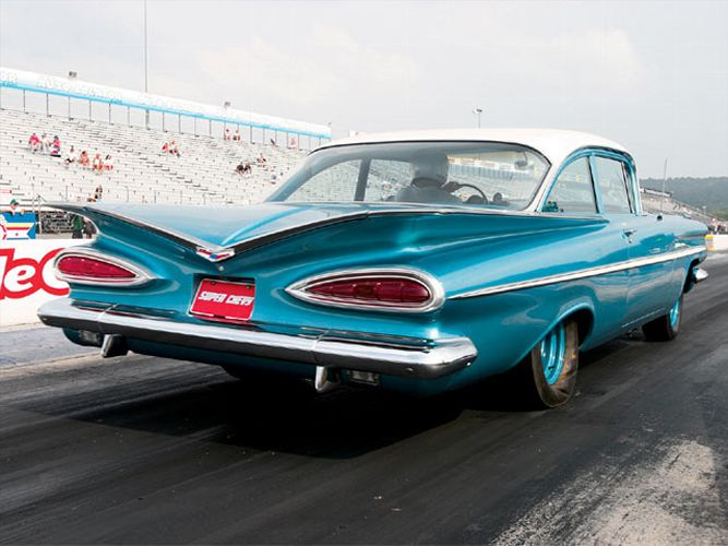 sucp_0701_03_z+1959_chevy_bel_air+rear_view.jpg