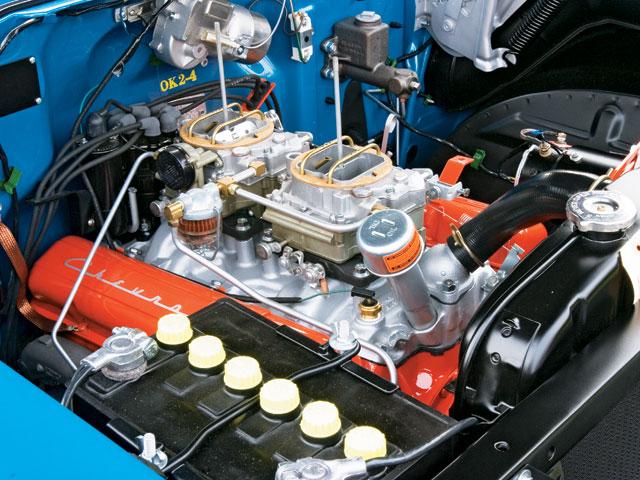 sucp_0706_10_z+1957_chevy_150+engine.jpg