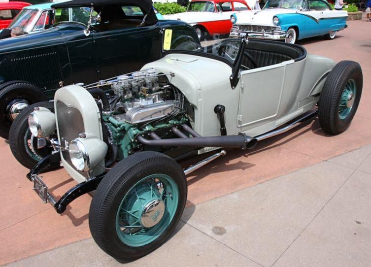 T Roadster W-Nailhead.JPG