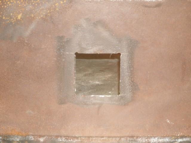 Tank top hole close up (Small).JPG