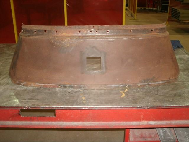 Tank Top hole (Small).JPG