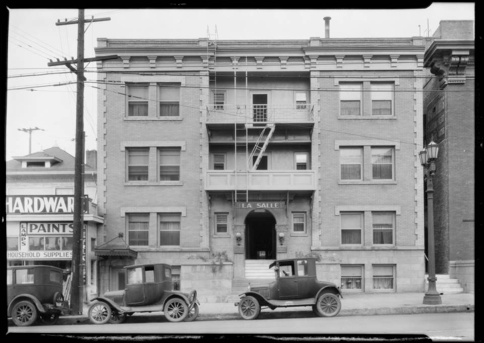 Theaters_synagogue_and_apartment_buildings_Los_Angeles_1926_image_19.jpg