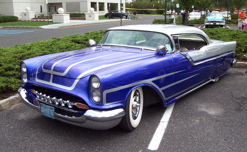 thumbnail_1955-Oldsmobile-blue-grey-chopped-le.jpg