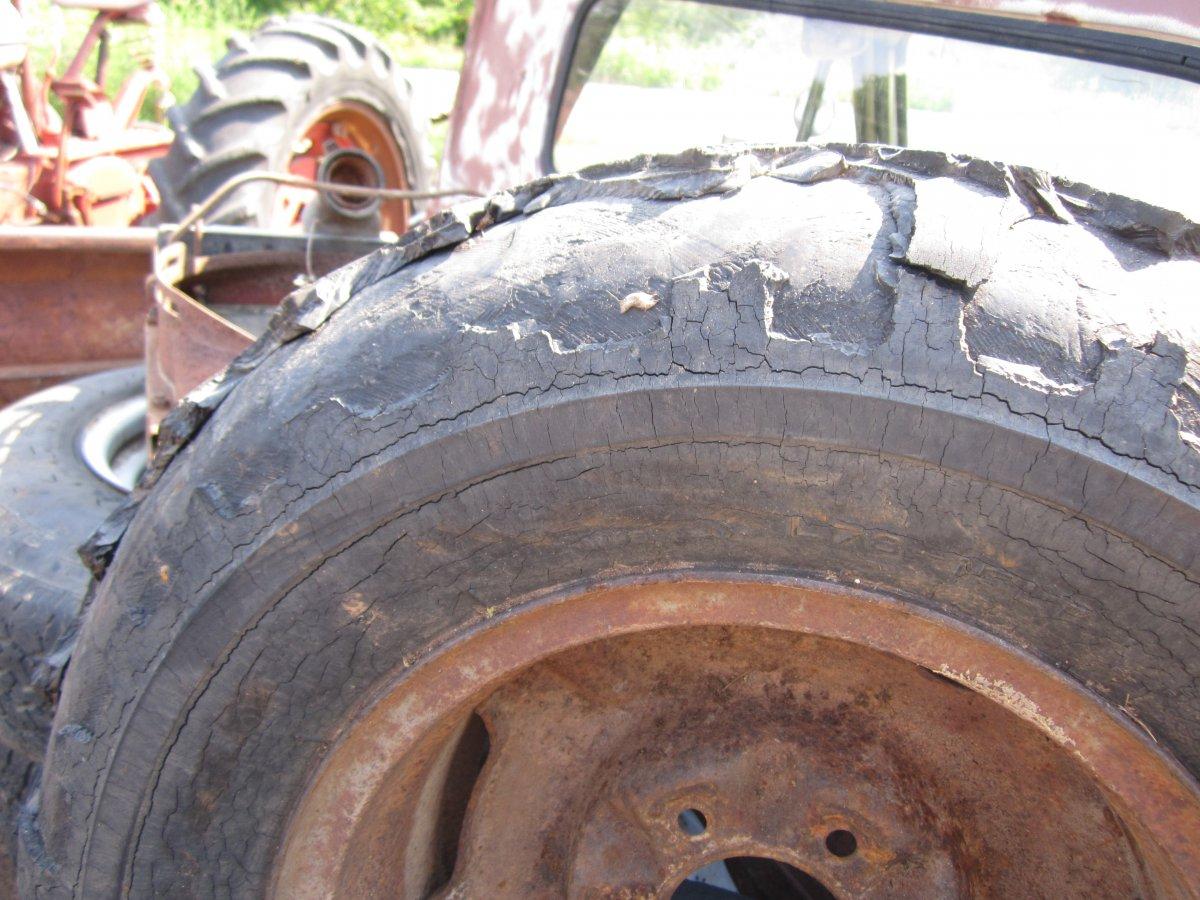 tires 002.JPG