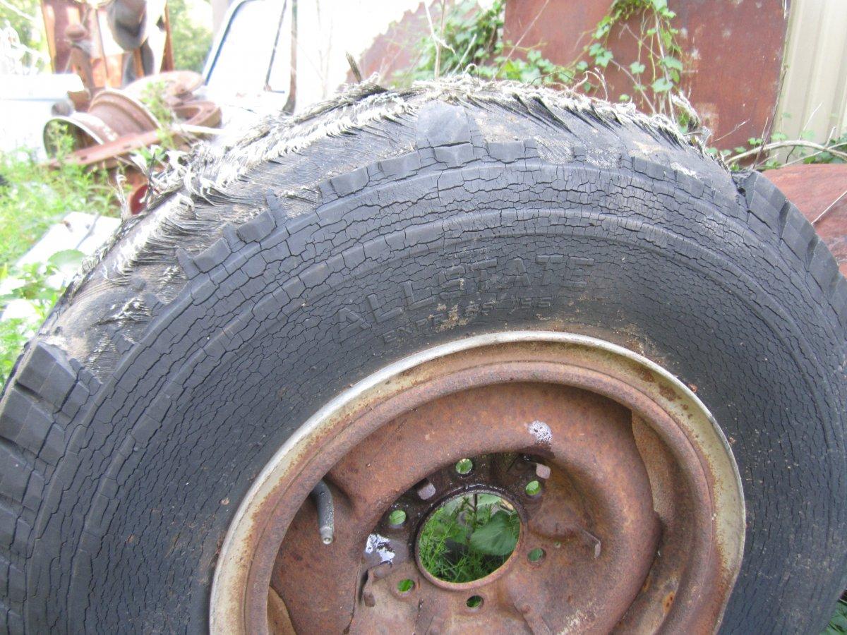 tires 005.JPG