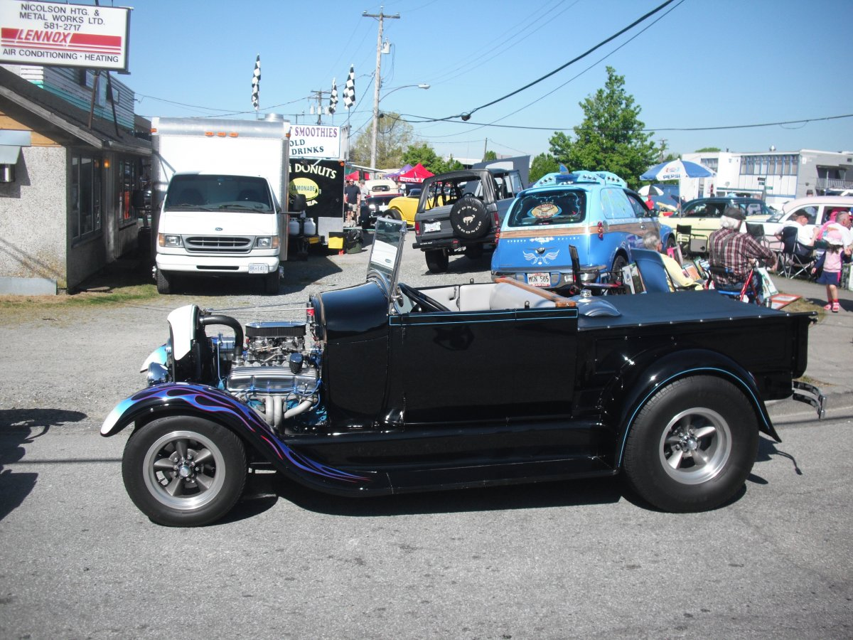 tom the tire guy 2012 040.jpg