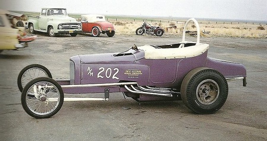 Tony Waters Roadster Mild Panel Stripes in Pits.jpg