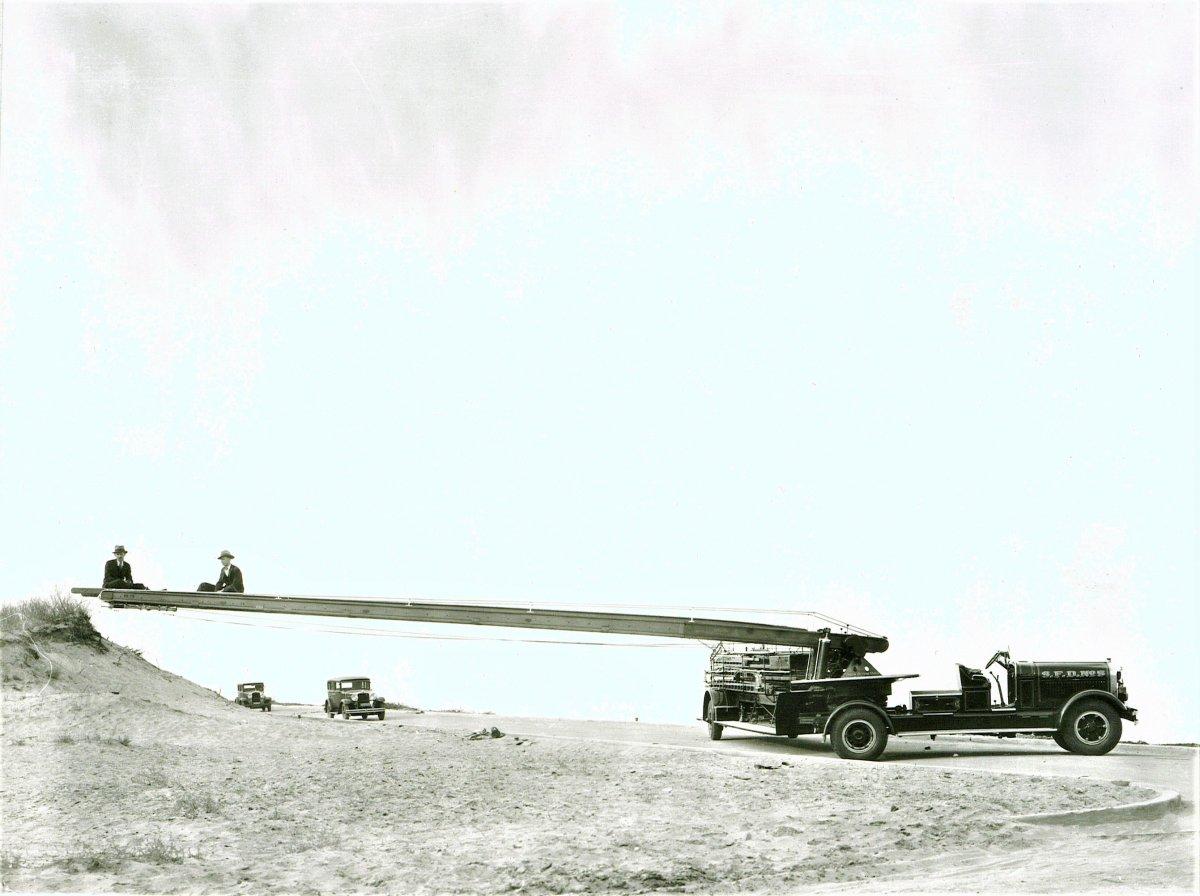 truck beach (2).jpg