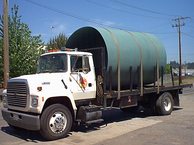 Truck with pipe 001.jpg