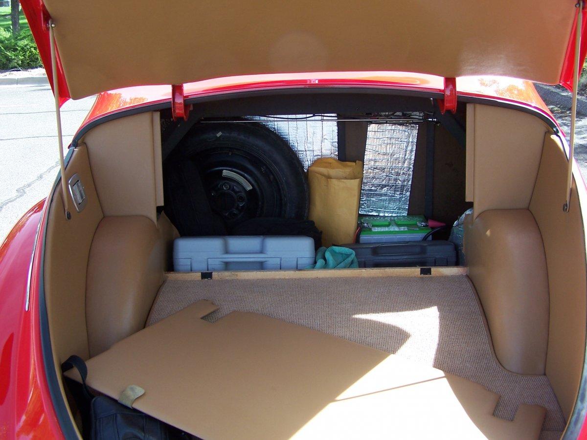 trunk inner storage.JPG