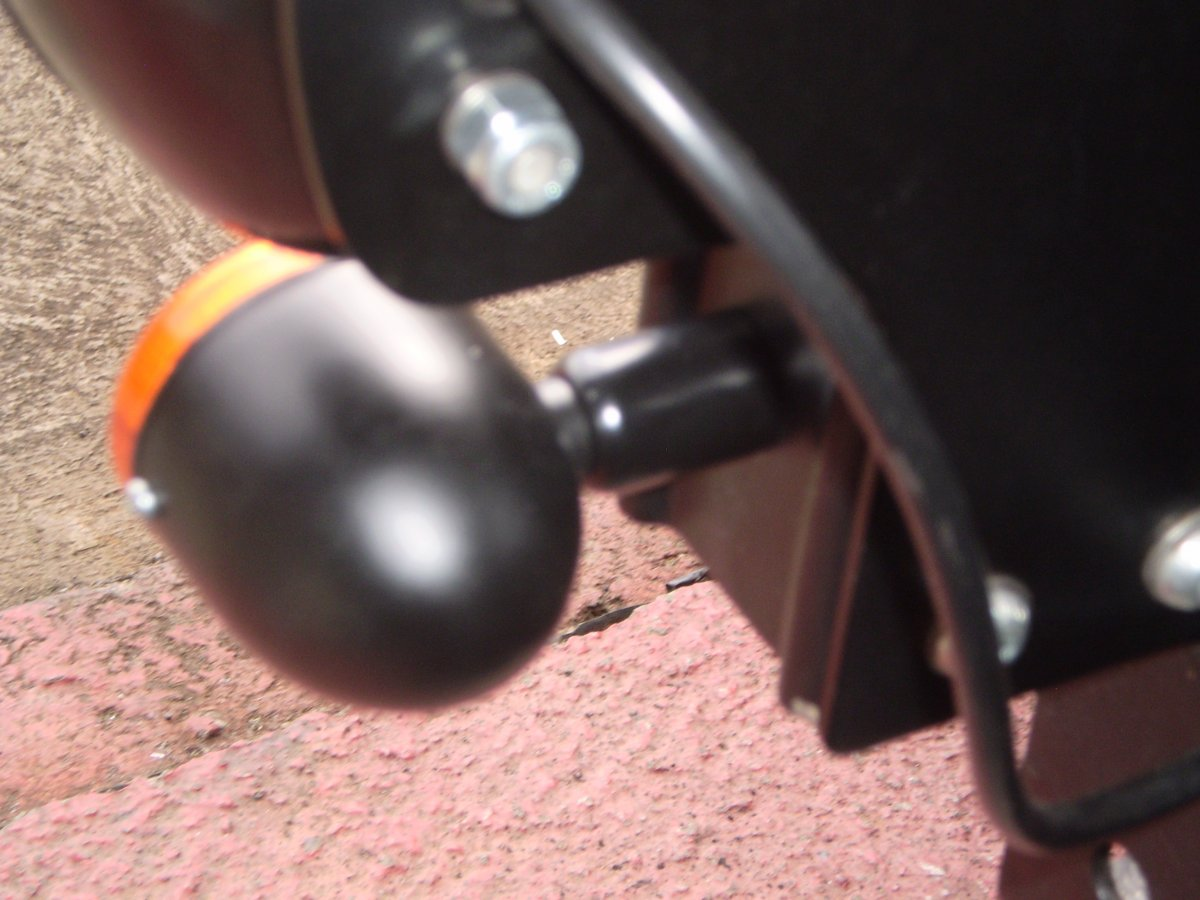 turnsignals with spacers fitted 002.JPG