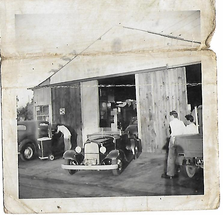 under constru same shop 1956.jpg