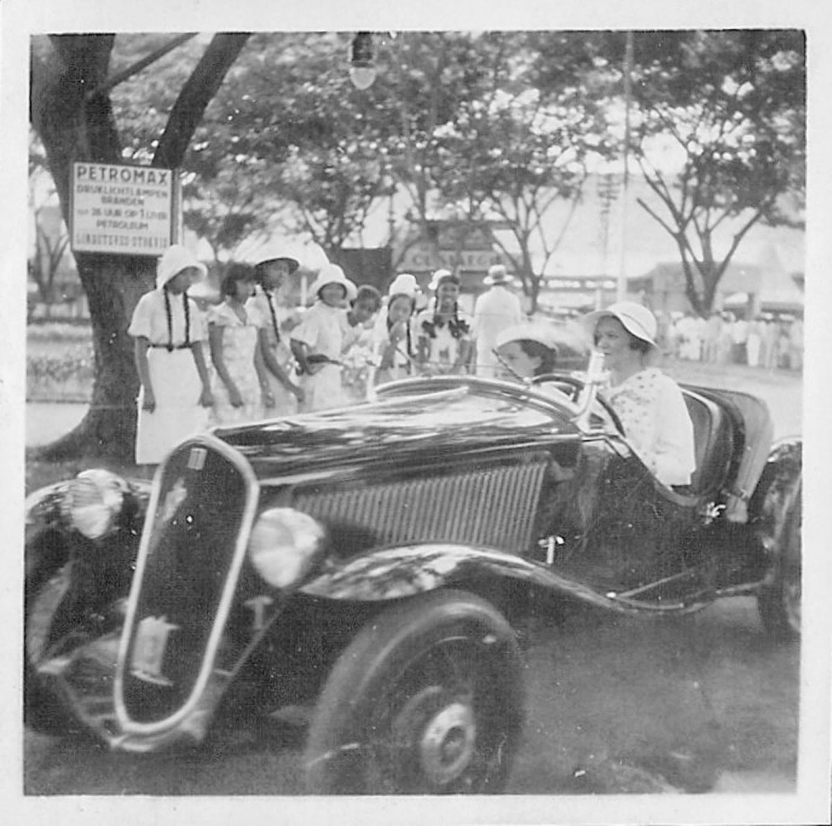 Unknown what and where around 1936 Dutch East Indies.jpg