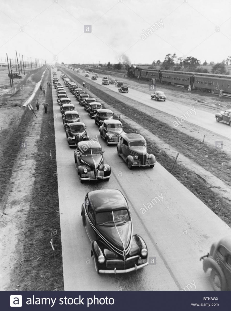 us-highway-62-was-expanded-into-a-four-lane-highway-in-the-1940s-post-BTKAGX.jpg