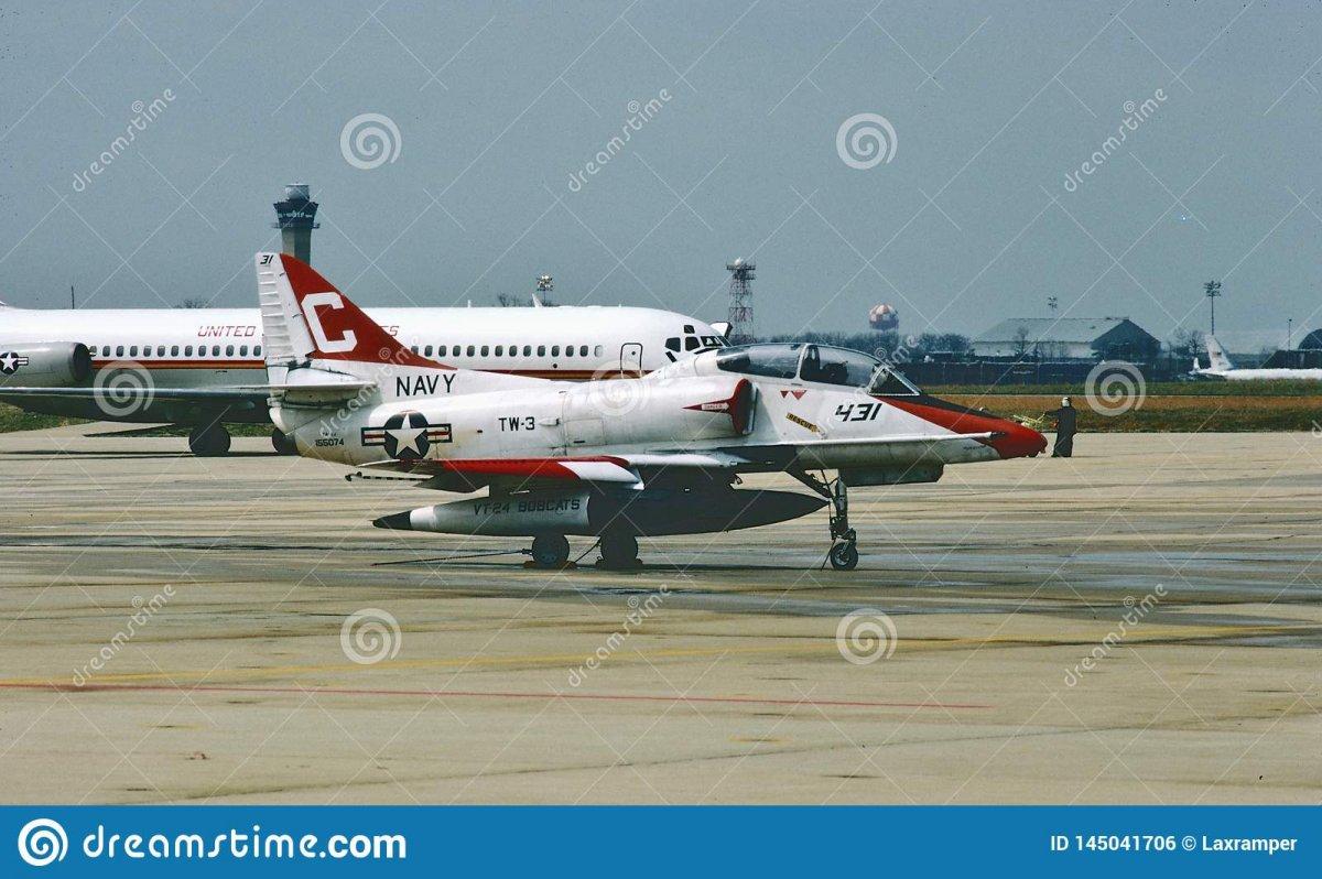 usn-ta-j-skyhawk-trainer-mission-united-states-navy-douglas-buno-another-training-145041706.jpg