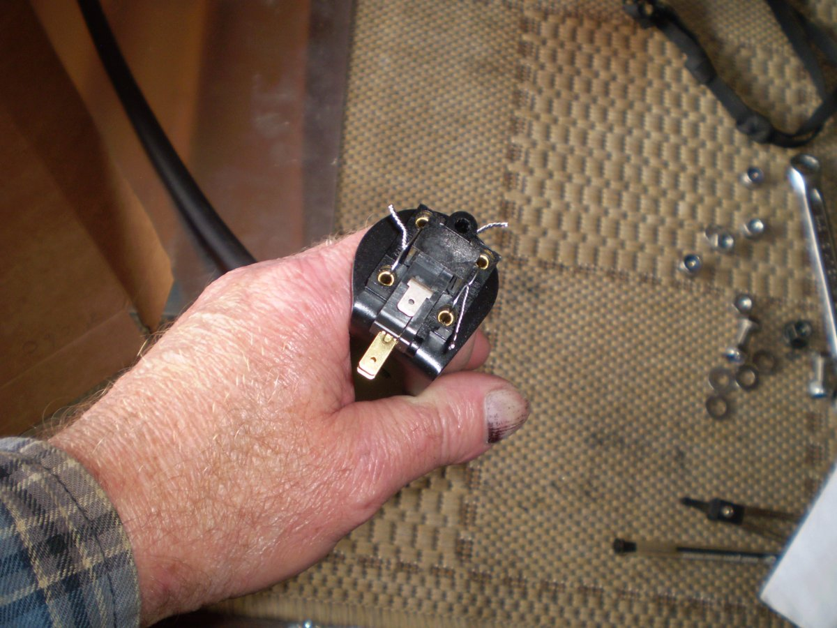 vacuum switch 014.JPG