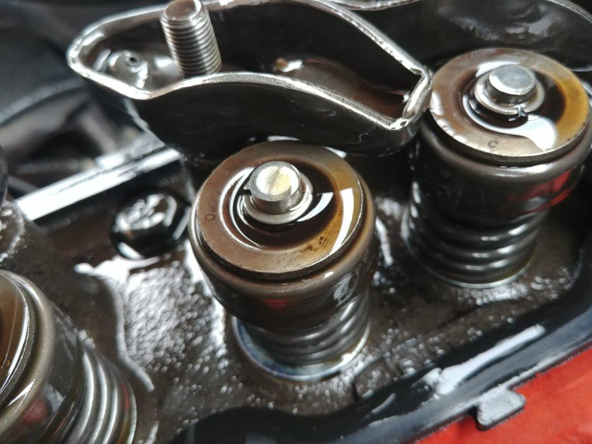 valve train inspection 5.jpg