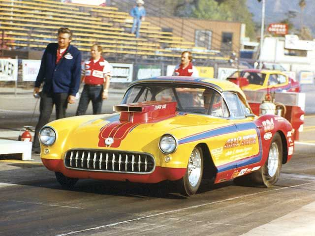 vemp_0611_02_z+corvettes+drag_racing.jpg