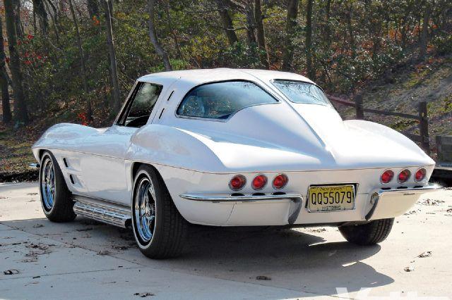 vemp_1104_03+1963_chevrolet_corvette.jpg