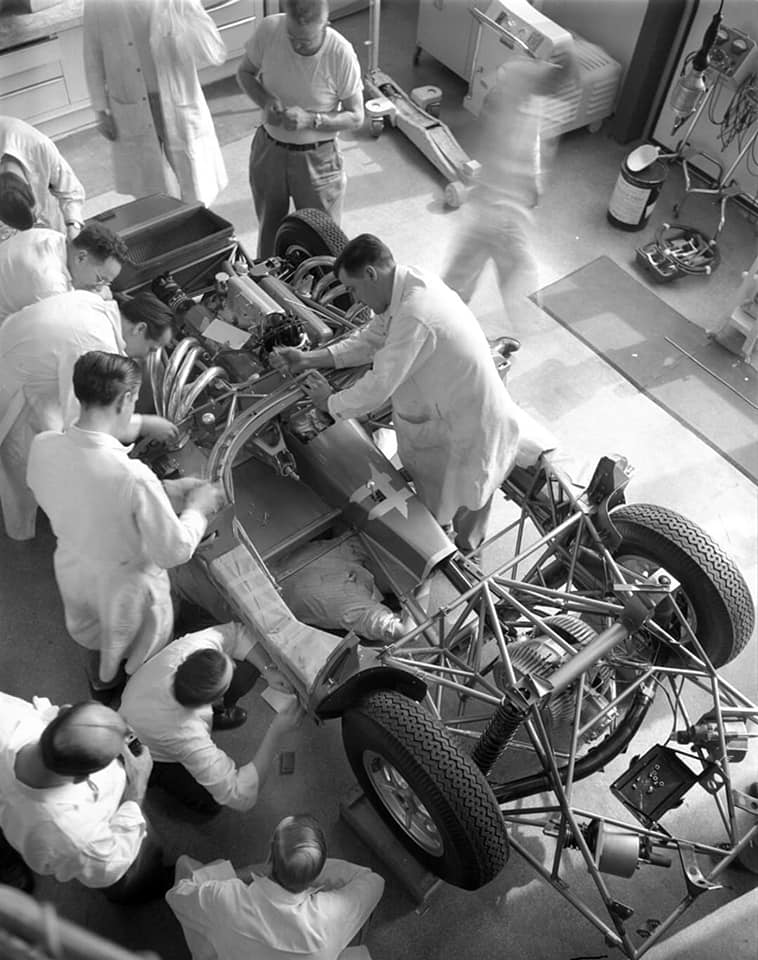 vette race car.jpg