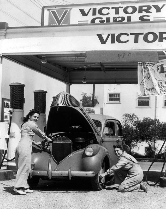Victory_Girls_1942.jpg