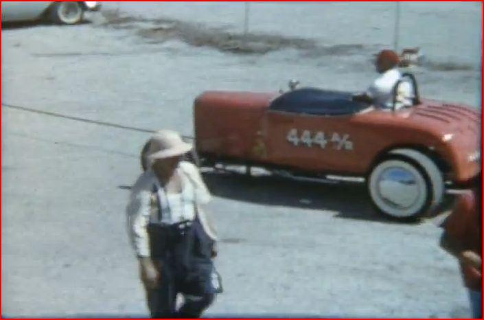 Vintage Drag Racing 8mm film (5m28s).JPG