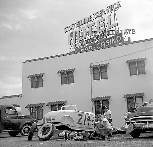 Vintage-Hot-Rod-Bonneville-Photo-ah0000-9874.jpg