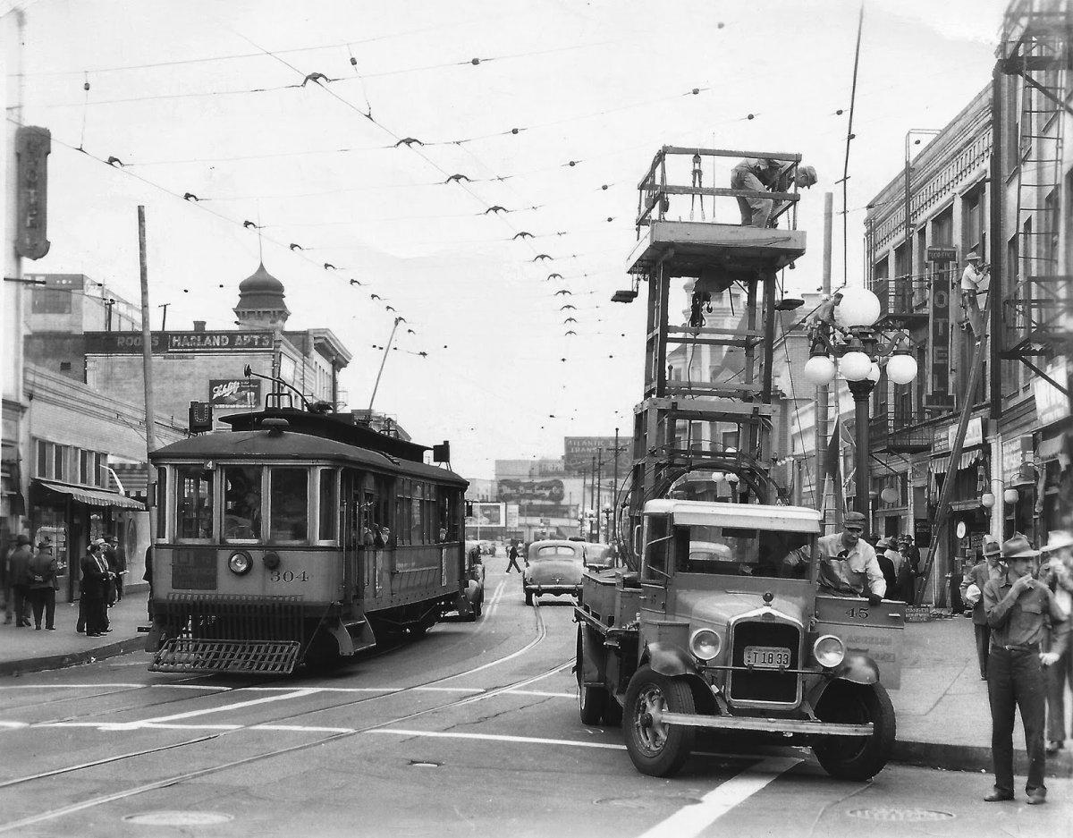 Vintage Los Angeles Railway Streetcars (15).jpg