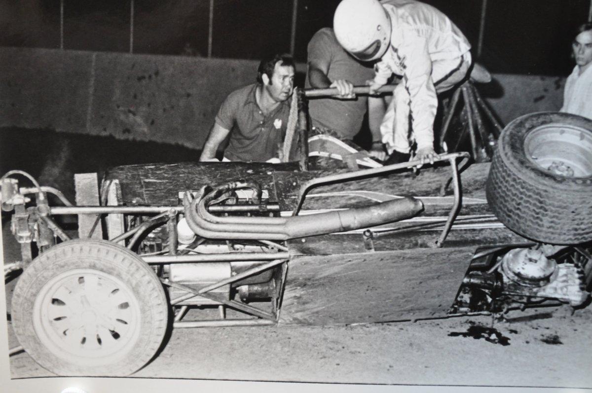 vintage racing pics for the hamb 021.JPG