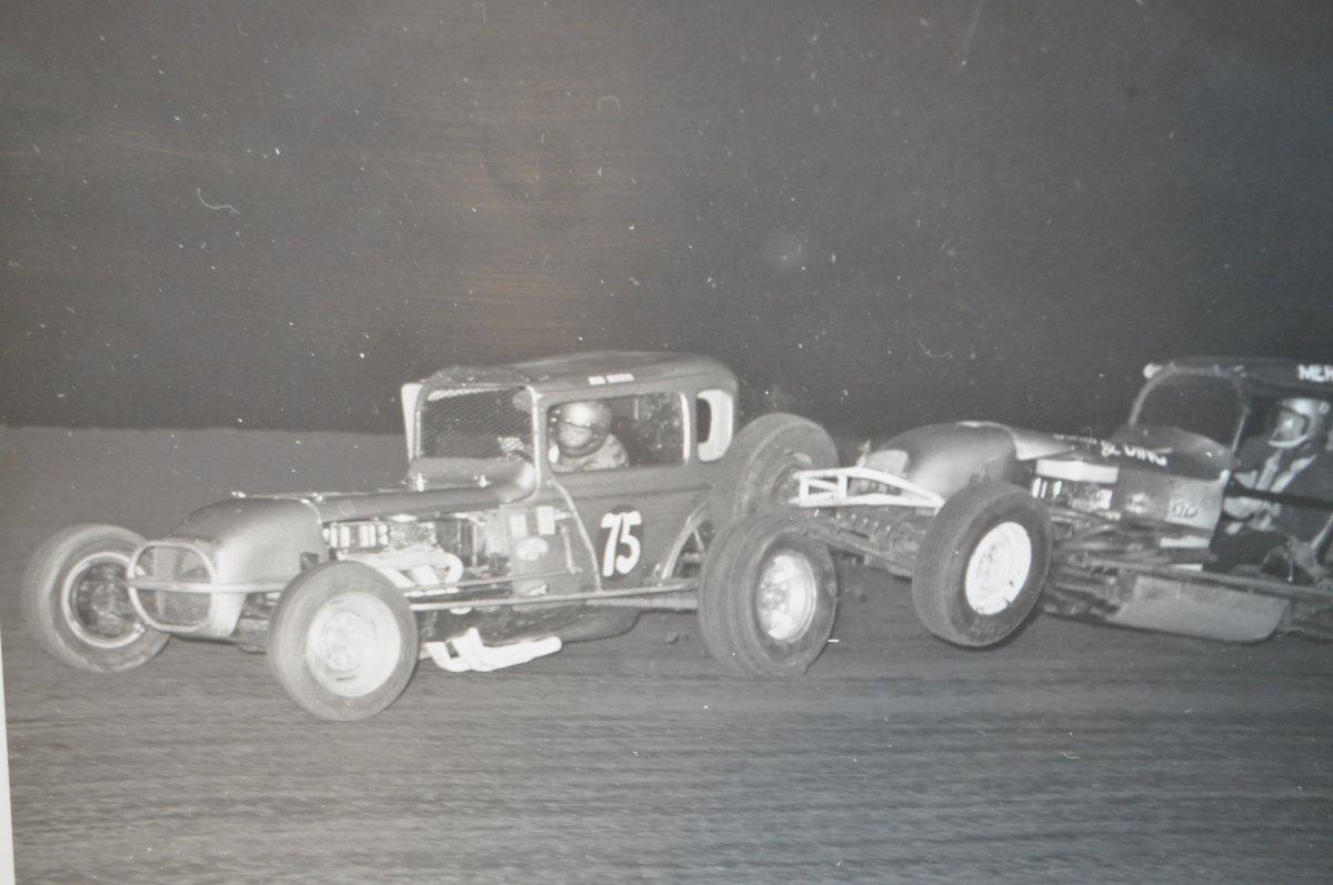 vintage racing pics for the hamb 029.JPG