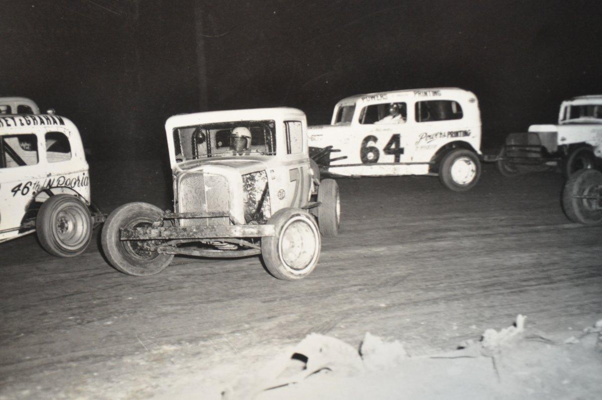 vintage racing pics for the hamb 030.JPG